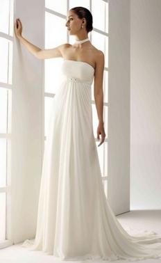 Vestido de novia Aglaya de Innovias con corte imperio en gasa y crepe con escote palabra de honor.