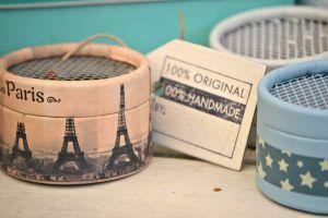 Original detalle de boda: cajas de música personalizadas. Vía Pinterest.