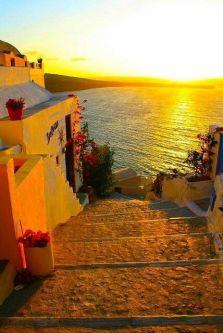 Puesta de sol en Santorini. Vía Pinterest.