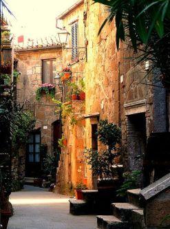 Espectacular pueblo de la Toscana. Vía Pinterest.
