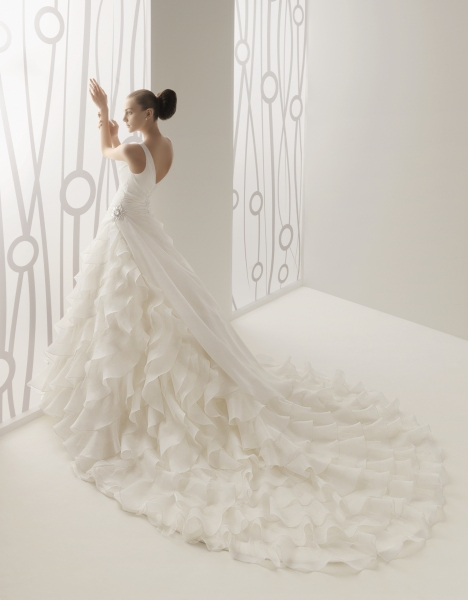 vestidos de novia con volantes | innovias