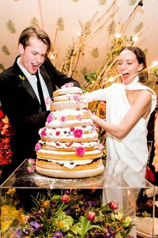 cortar tarta de boda