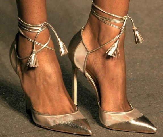 sandalias or manolo blahnik innovias