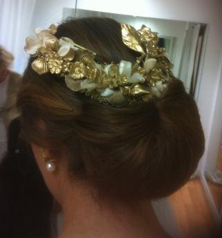 veronica_peinado-con-corona-dorada