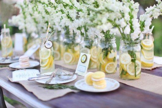 frascos con limones
