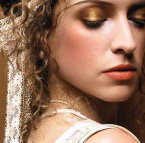 maquillaje dorado