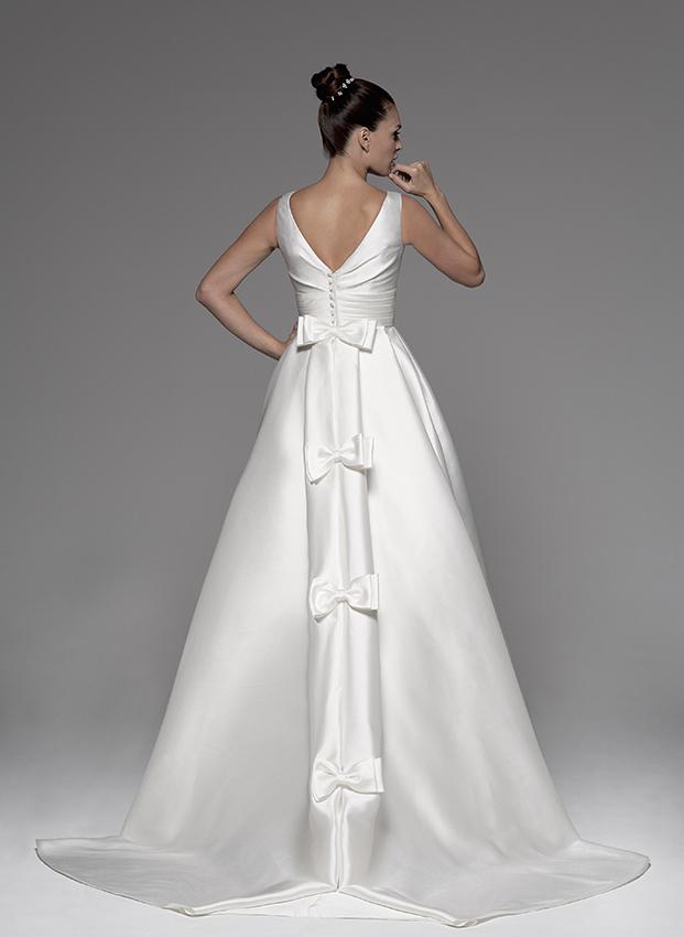 Como sujetar la cola del vestido de novia