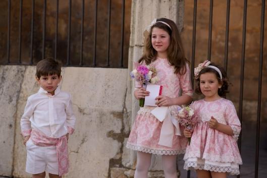 niños-cortejo-rosa