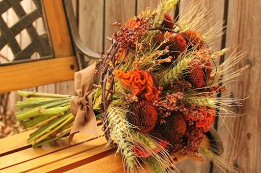 ramo de espigas y flores otoño