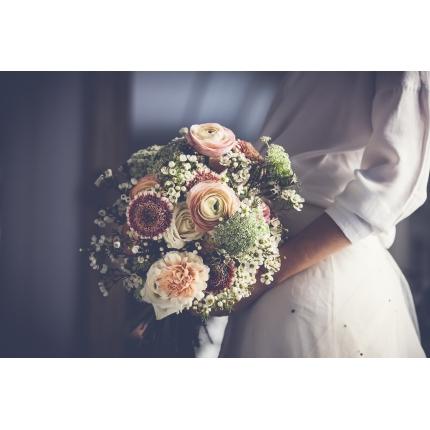 ramo-de-novia-en-tonos-blancos-y-azules