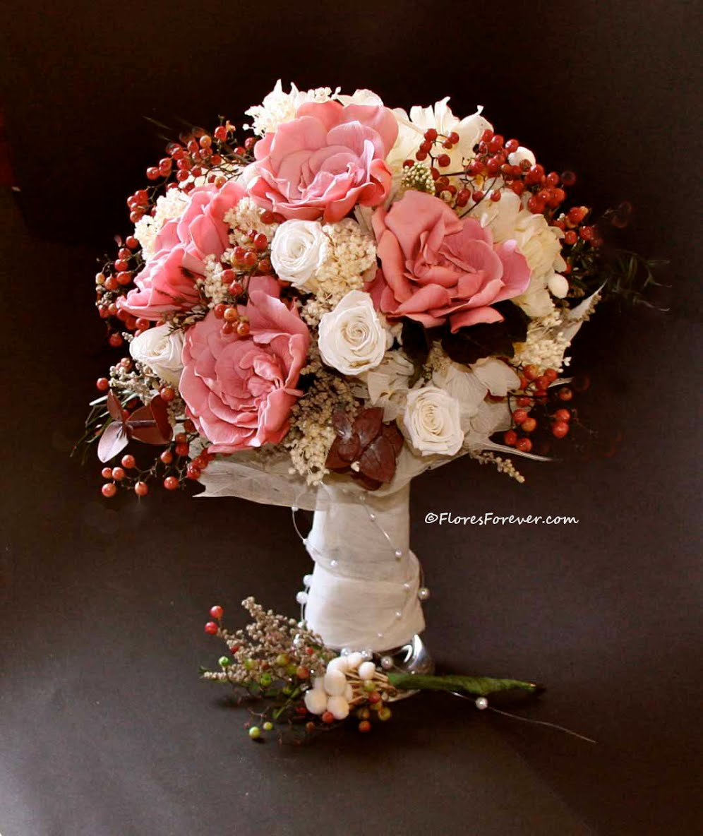 ramo_novia_gardenias_fresa