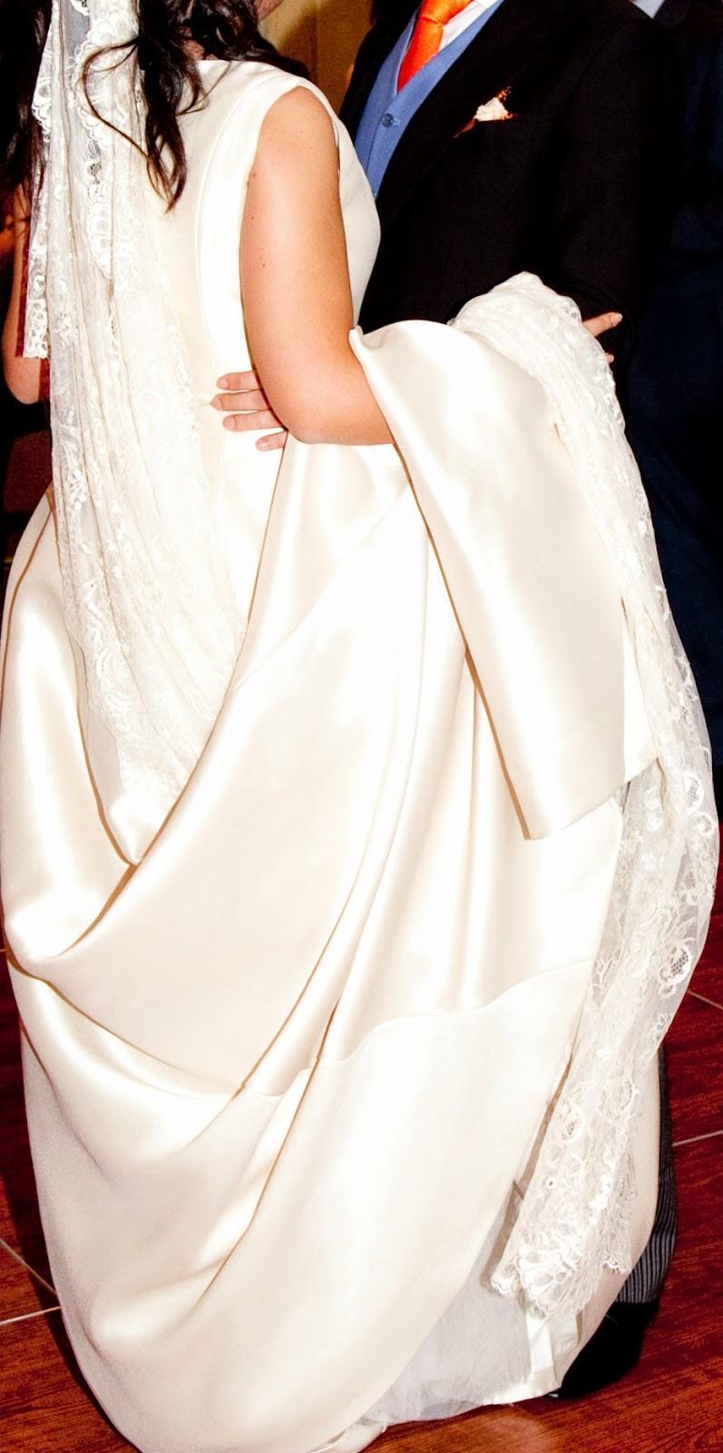 Como manejar la cola del vestido de novia