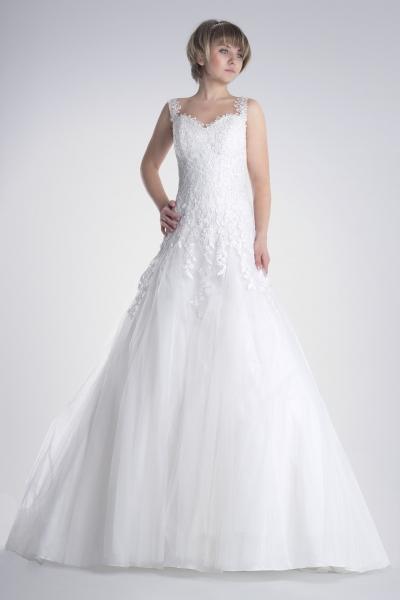 Vestido de novia en alquiler celeste de Innovias