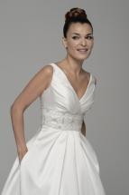 Vestido de novia en alquiler Avior de Innovias