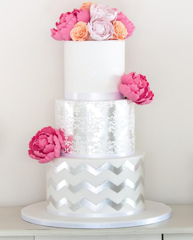 metallic-wedding-cake-3c.png
