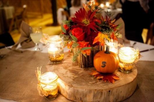 centros-de-mesa-calabazas-velas-naranja