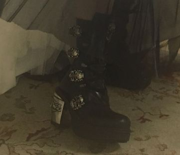 laia_botas-negras-detalle