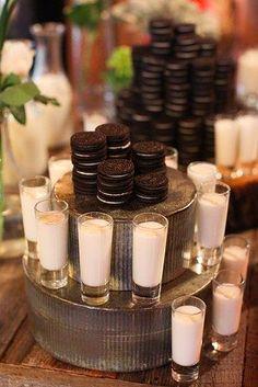 Mesa dulce con macaros de chocolate, la más chic vía Pinterest