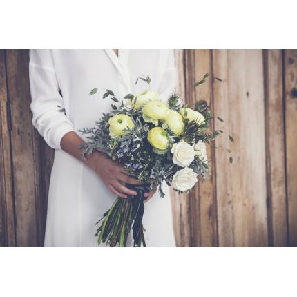 ramo-de-novia-en-tonos-blancos-y-verdes