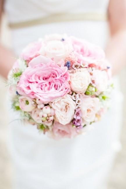 ramo-novia-ranunculos-rosa-cuarzo