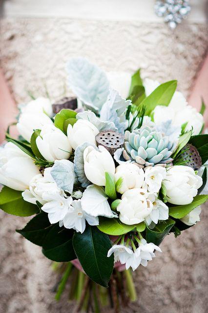ramo-tulipanes-suculentas