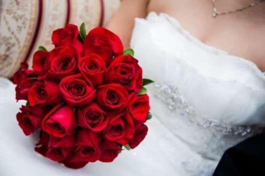 ramo-clasico-rosas-rojas