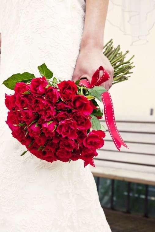 ramo-de-novia-con-rosas-romantico