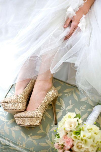 zapatos-dorados2