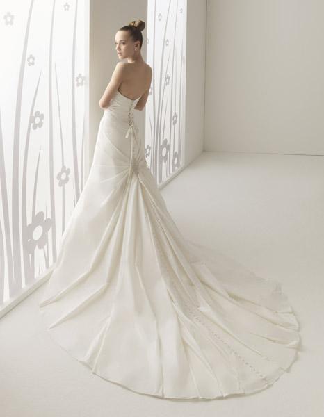 Patrones para vestidos de novia con cola