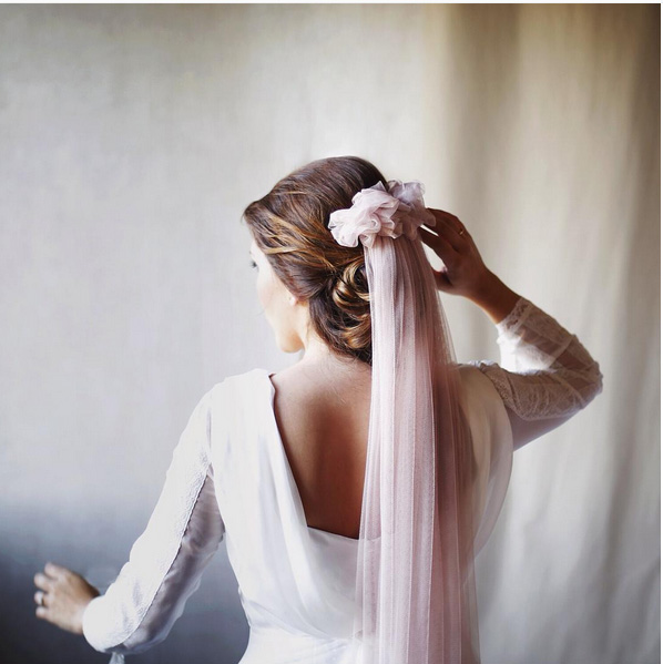boda-velo-novia-color-rosa-innovias