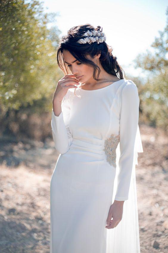 tendencias en moda nupcial: vestidos de novia con capainnovias