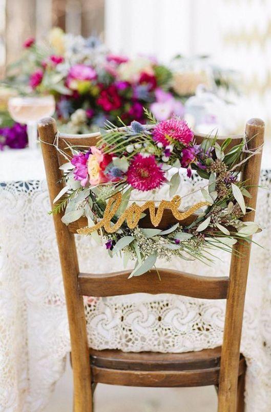 C mo decorar las sillas de los novios innovias for Sillas para novios