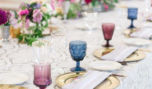 Tendencias innovias copas y vasos de colores para vestir - Vasos de colores ...