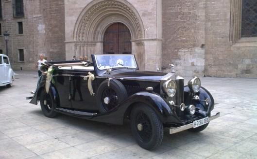 rolls-royce-cabrio-30-1-mrzcvm0w2xgix6s4coq7uaxo47elk4amuim0hsljr4