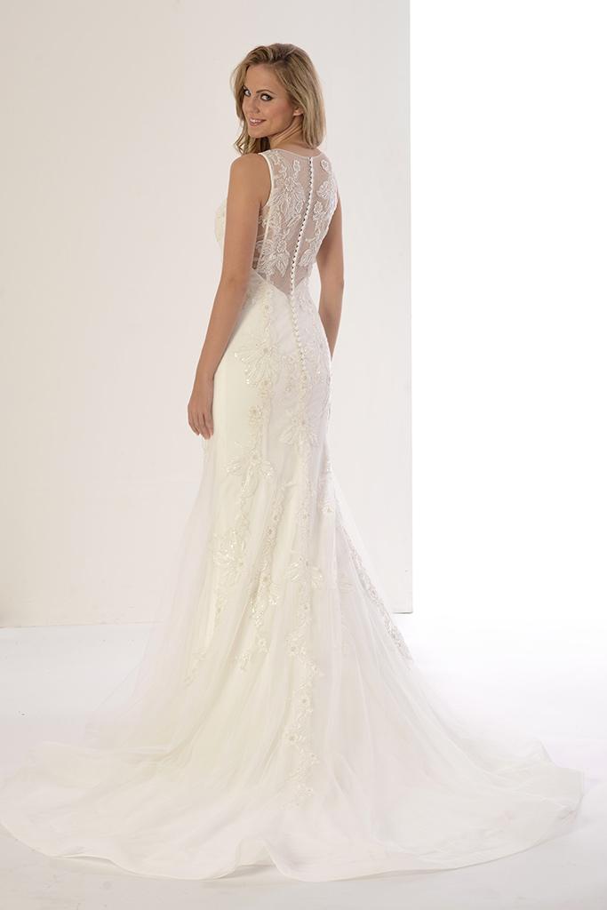 tendencias bodas 2018: vestidos de novia innovias con la espalda al