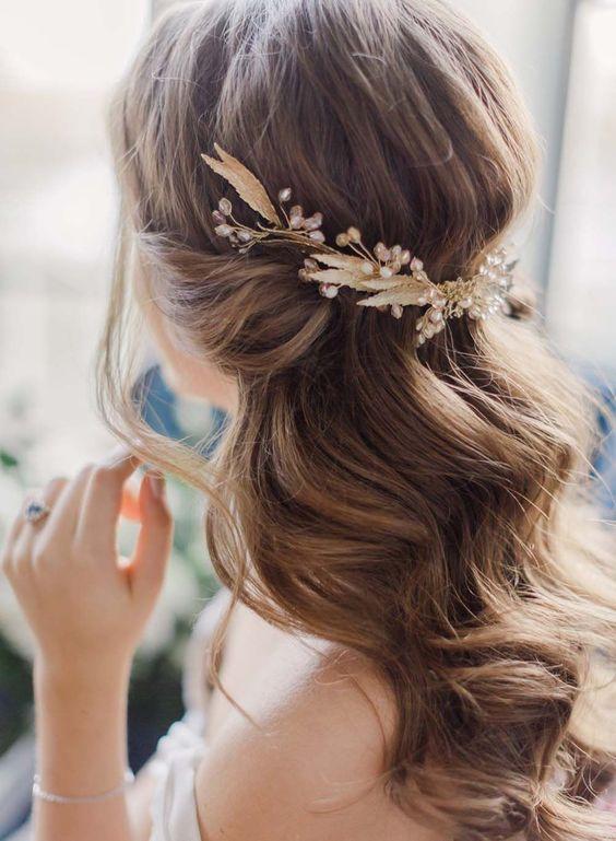Peinados novia pelo suelto con tocado