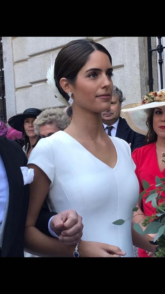 dd9fa8b8d7 Detalle del escote del vestido de novia de Sofía Palazuelo visto aquí