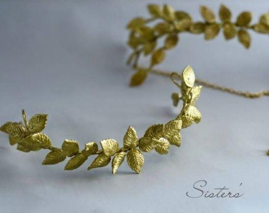 Tiara o media tiara de novia con hojas en color oro viejo
