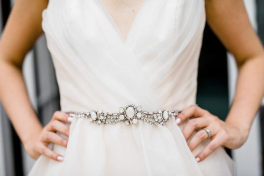 Cinturón de novia. Foto de Caroline Lima Photography