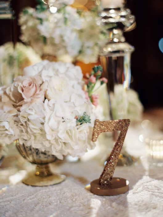 Mesero de boda. Foto: Clary Pfeiffer Photography