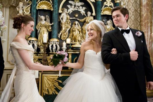 Anne Hataway y Kate Hudson en 'Guerra de novias'