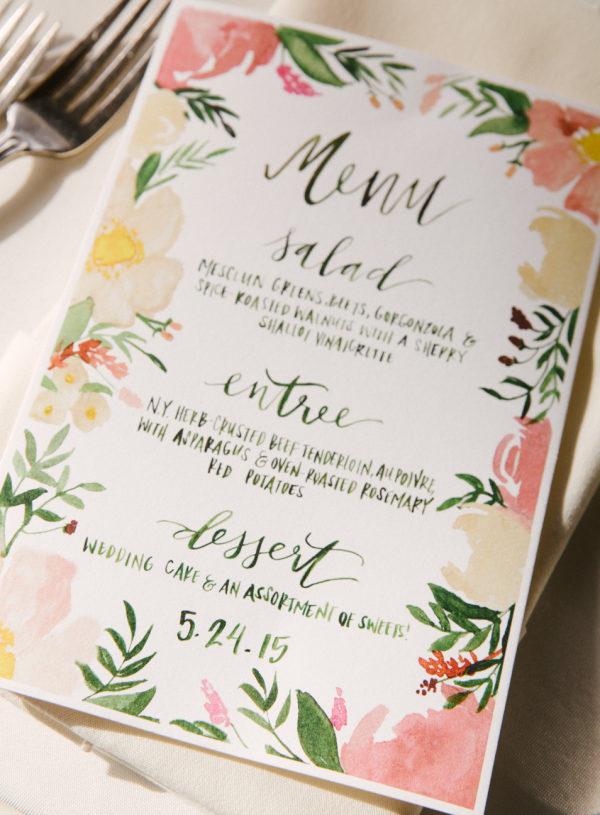 Menú de boda. Foto: Karen Hill Photography