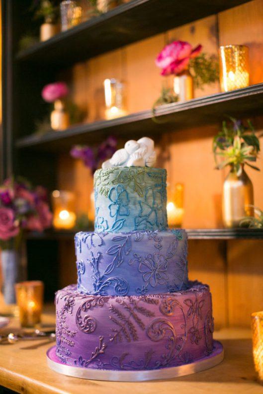 Tarta de boda de colores. Foto: Sabine Scherer Photography