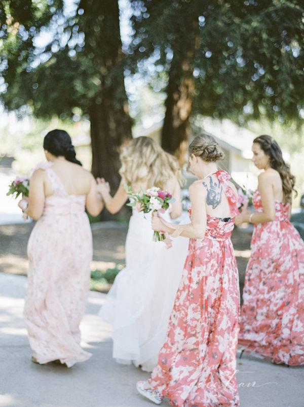 Novia y damas de honor. Foto: Coco Tran
