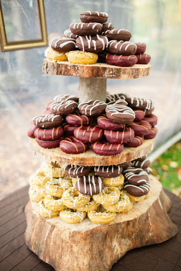 Tarta de donuts o rosquillas. Foto: Tarta de buñuelos. Foto: M Creation Events