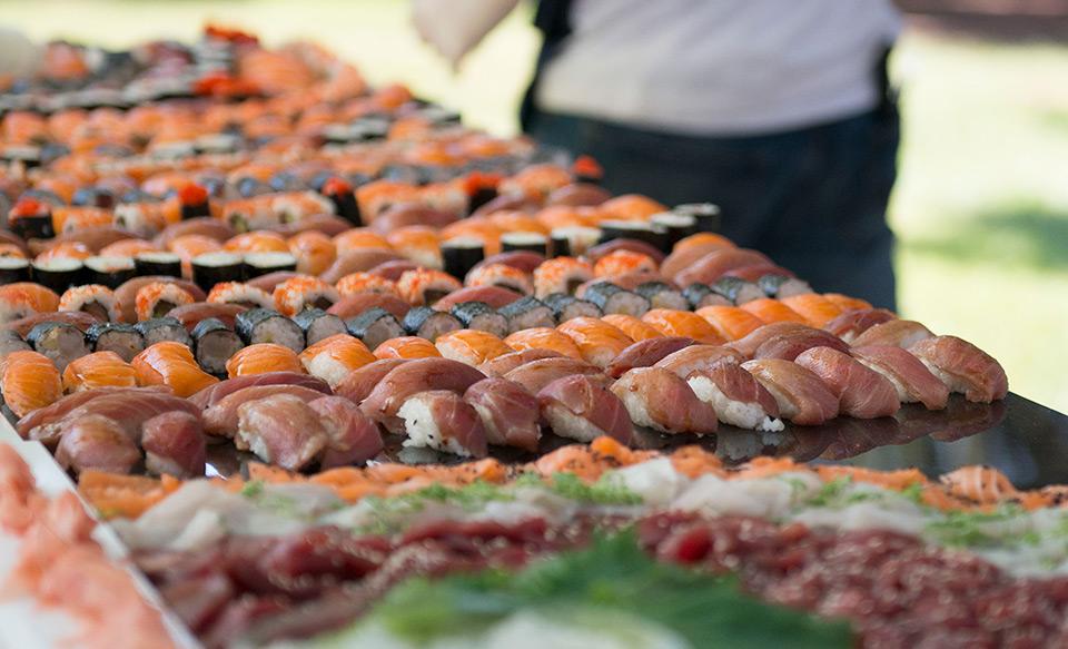 Puesto de sushi. Foto: Basilisco Studio