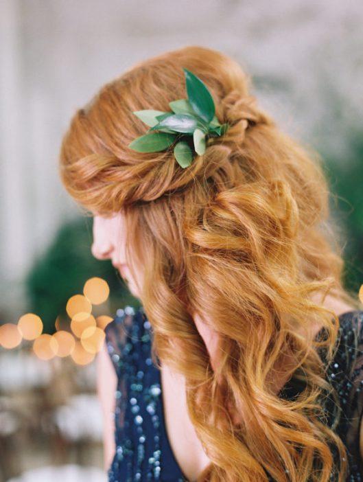 Invitada con pelo suelto y trenza al lado. Foto: Diana McGregor Photography
