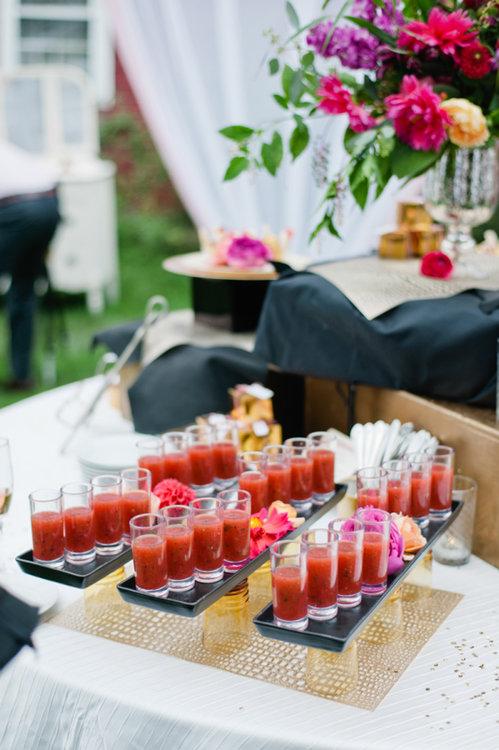Cóctel de boda. Foto: Leila Brewster