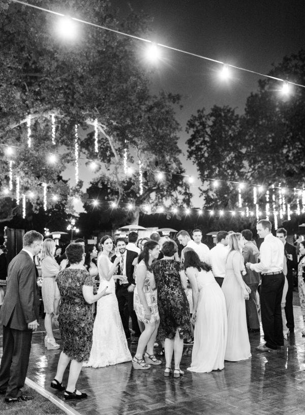 Invitados en la pista de baile. Foto: Rebecca Yale Photography